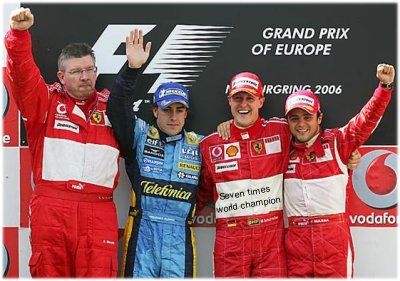 Doesn't Alonso look happy.. hehehe!!